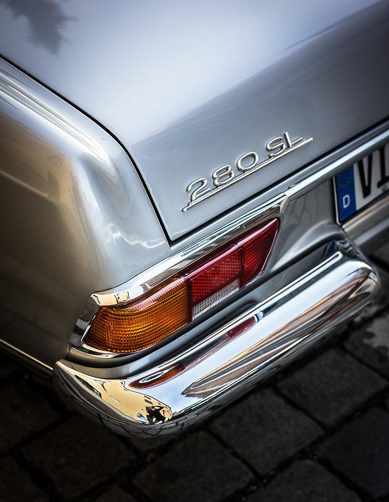 Mercedes-SL-700-2.jpg